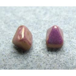 Perles Pyramides 6X6mm Alabaster Lila Vega Luster (X10)