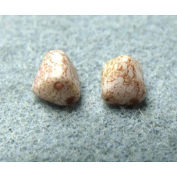 Perles Pyramide 6X6mm Alabaster Teracota Red (x100)