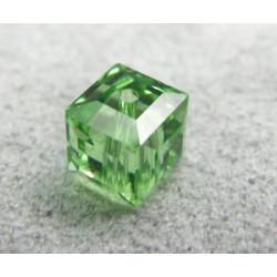 Perle cube en cristal Swarovski 5601 6mm Péridot (x1)