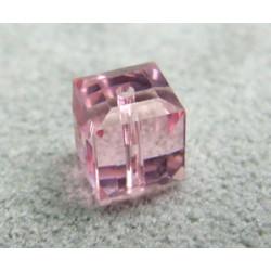 Perle cube en cristal Swarovski 5601 6mm Light Rose (x1)