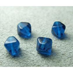 Pyramide 6mm Capri Blue (x20)