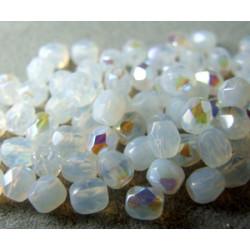 Facettes de Bohême 4mm White Opal AB (x100)