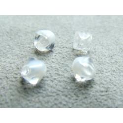 Pyramide 6mm Crystal Marbre Blanc (x20)